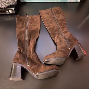 Brown suede boots with zipper size 6